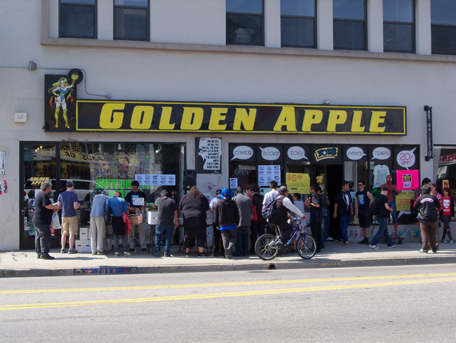 Comic-Con/Golden_Apple_Sign.JPG