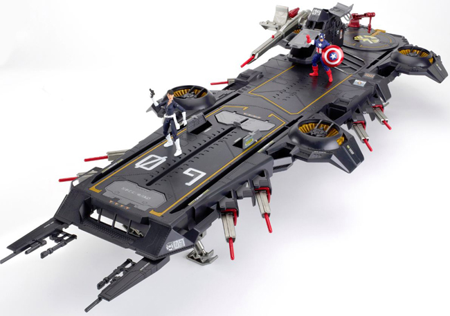 Comic-Con/SDCC-avengers-helicarrier-exclusive.jpg