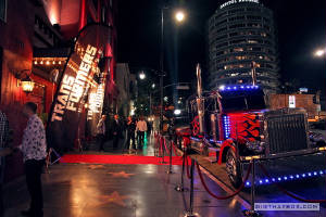 InHollywood/Optimus_Prime_in_Hollywood_5.jpg