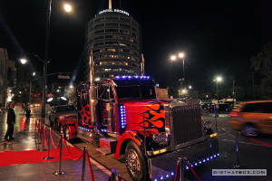 InHollywood/Optimus_Prime_in_Hollywood_6.jpg