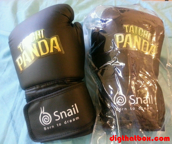 Video_Games/Snail-Taichi-Panda-Fighting-Gloves.JPG